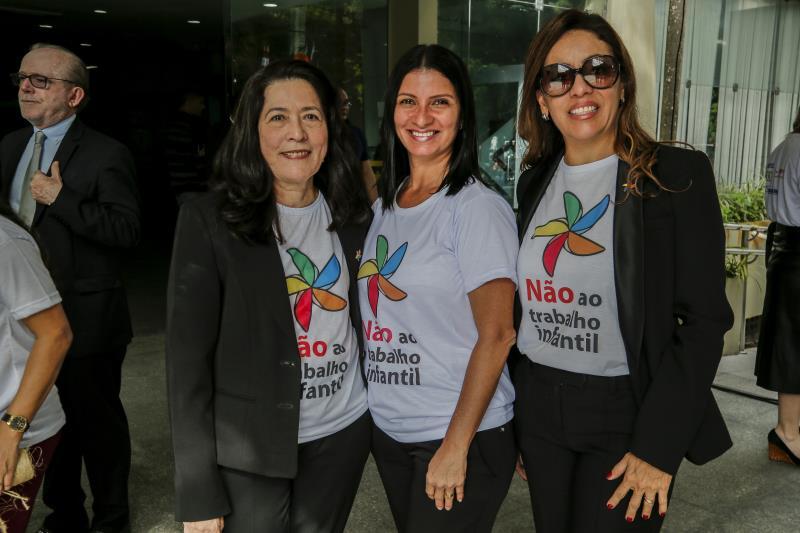 A desembargadora Zuleide Dutra;  Célia Pena, coordenadora da Educação Infantil da Semec; e a juíza Vanilza Malcher participaram das ações do Dia Mundial de Combate ao Trabalho Infantil