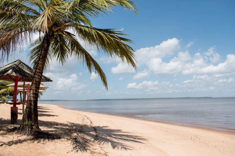 Para quem deseja tranquilidade e conexão com a natureza, as praias de Cotijuba são uma ótima opção