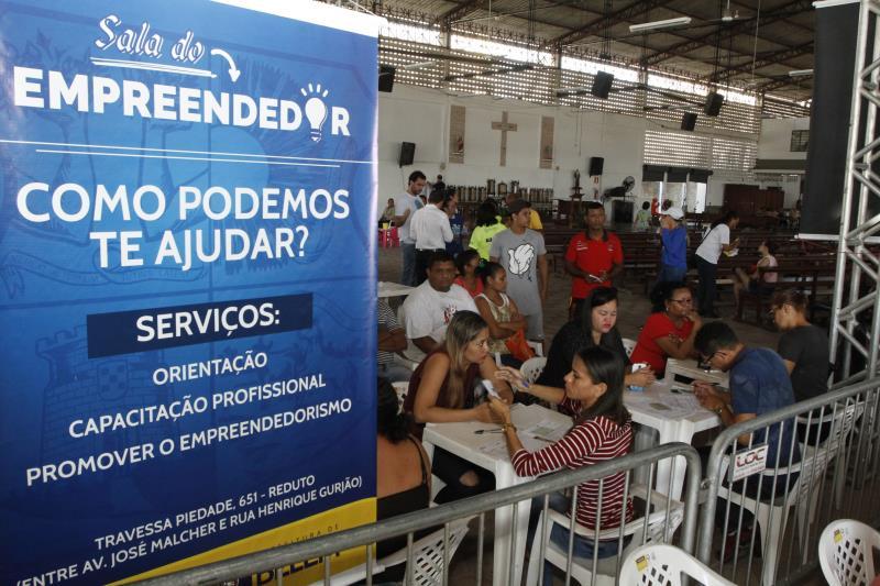 Um dos serviços ofertados pelo Prefeitura no Bairro é a Sala Empreendedor, da Secretaria de Economia (Secon)