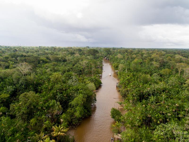 Uma cidade cercada por rios, com 39 ilhas ao redor, a capital paraense já ganhou destaque internacional pelas paisagens paradisíacas, que na série foram capturadas pelo repórter fotográfico Fernando Sette