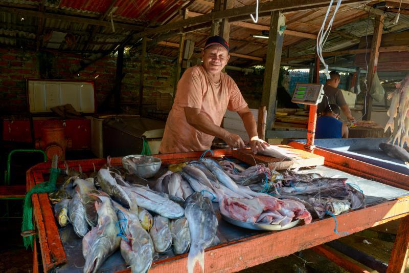 A ilha oferece uma variedade de produtos a preços competitivos com os do centro da capital.