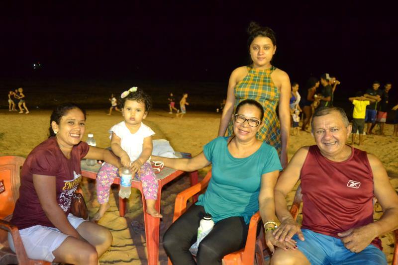 A família Brito está acompanhando o desempenho do Soledade Esporte Clube, time para o qual está torcendo