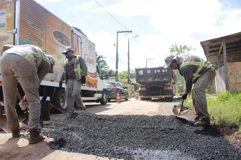 Operações taba-buraco, como a realizada no Fidélis, em Outeiro, garantiram soluções provisórias para vários bairros