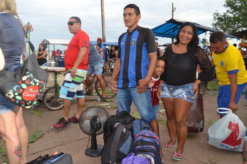 Moradora da Ilha de Outeiro Patrícia Souza sempre visita a Ilha de Cotijuba nas férias de julho.