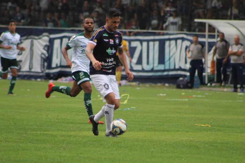 Nos acréscimos, o camisa 10 Eduardo Ramos fez o gol de empate do Leão Azul