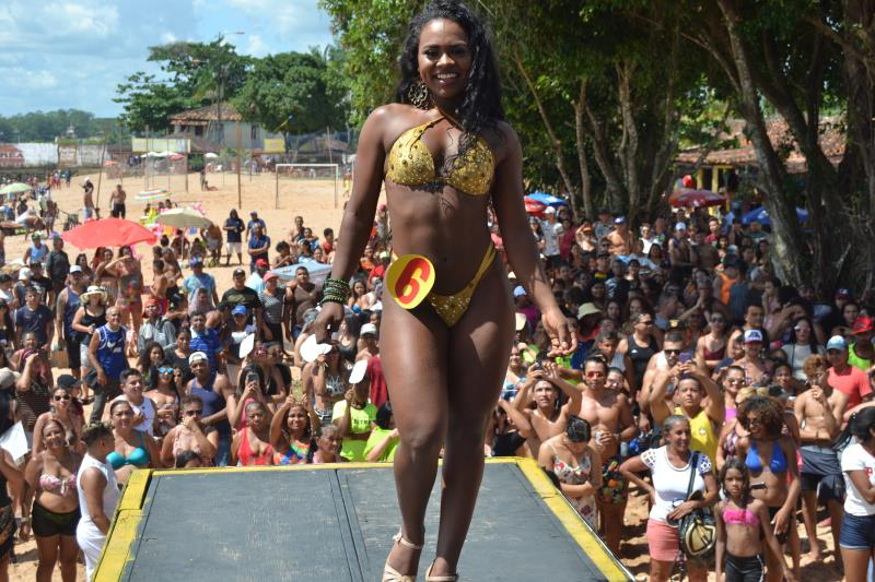 A atração mais esperada do domingo, 14, na praia do Cruzeiro, em Icoaraci, foi o concurso Garota e Garoto Verão 2019