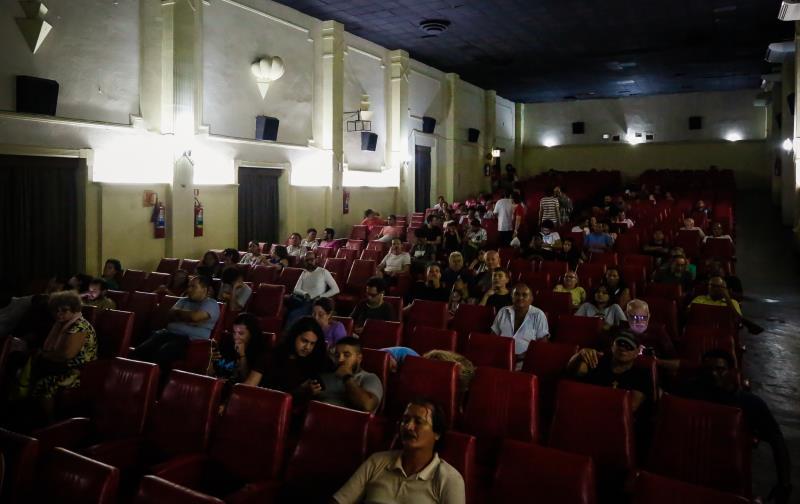 A sala de exibição do Cine Olympia teve um bom público na abertura da Mostra Grande Prêmio do Cinema Brasileiro