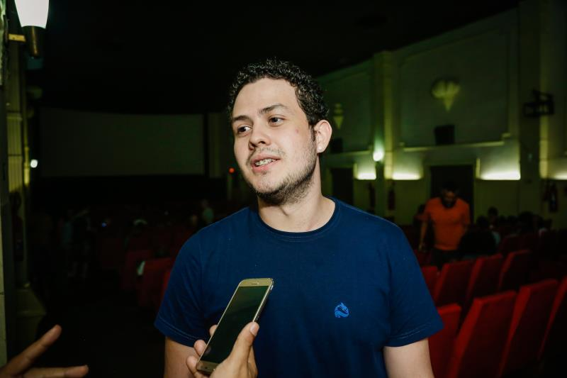 """O estudante de cinema da UFPA, Eduardo Cordeiro, está torcendo pelo filme nacional """"Benzinho"""""""