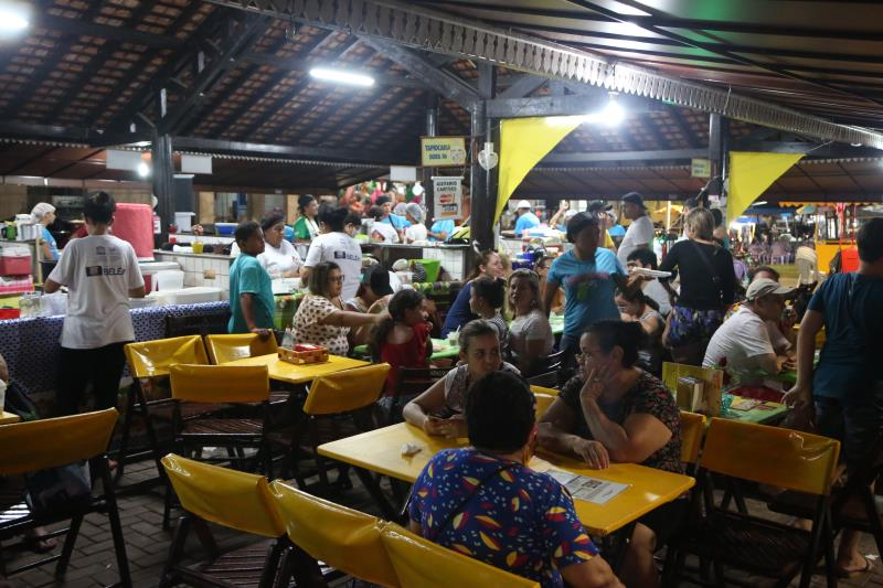 O público lotou os boxes da Tapiocaria de Mosqueiro no primeiro dia do Circuito Gastronômico