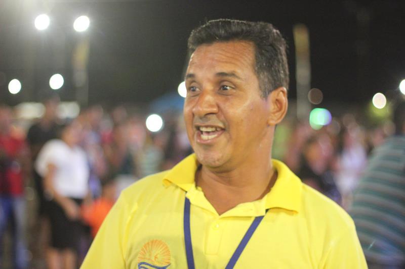Aldonias Santos, diretor de Desenvolvimento Social da Arout, destacou a importância de levar atrações cristãs à comunidade de Outeiro