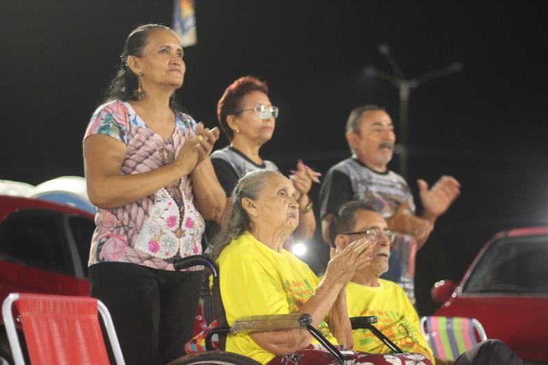 A dona de casa Nelma Correia assistiu aos shows acompanhada de familiares