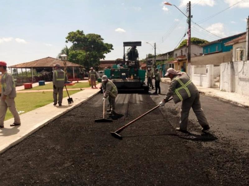 A Prefeitura também está executando serviços de recuperação e manutenção asfáltica por meio das ações tapa-buracos que seguem um cronograma de atendimento