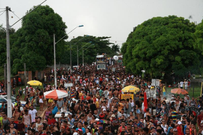 A décima segunda edição da Parada do Orgulho LGBTI levou mais de 30 mil pessoas às ruas de Mosqueiro