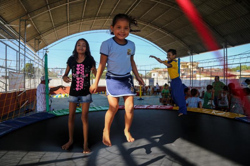 A quinta-feira, dia 1, marcou a volta às aulas na rede municipal de ensino infantil, com uma programação na escola Walter Leite Caminha, no conjunto Catalina, bairro do Benguí