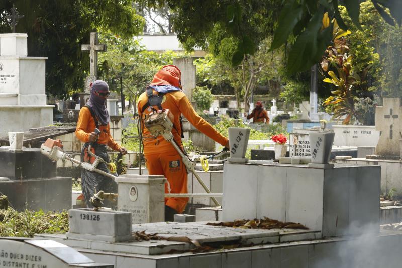 2019.08.02 - PA - Belém - Brasil: Limpeza do Cemitério Santa Isabel para o Dia dos Pais.
