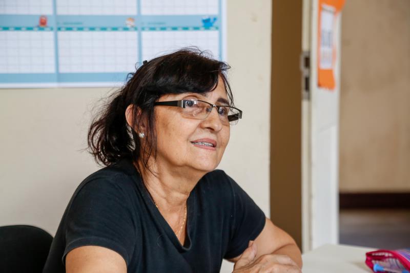 A professora Sônia Maria Koury, do polo Mercado de Carne Francisco Bolonha, que leciona há 26 anos para adultos, está muito satisfeita com o desenvolvimento dos alunos
