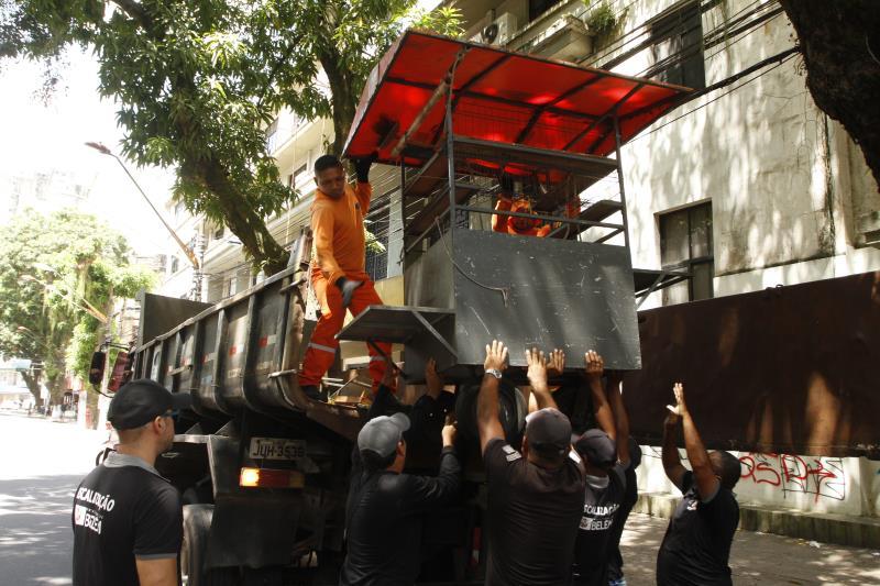 Na operação, pontos de vendas irregulares foram recolhidos por agentes da Ordem Pública