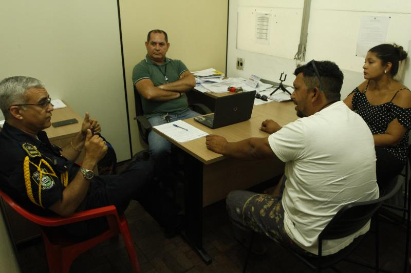 Alguns dos ambulantes participaram de uma reunião na sede da Secretaria de Economia, onde tiveram informações porque a operação foi efetivada