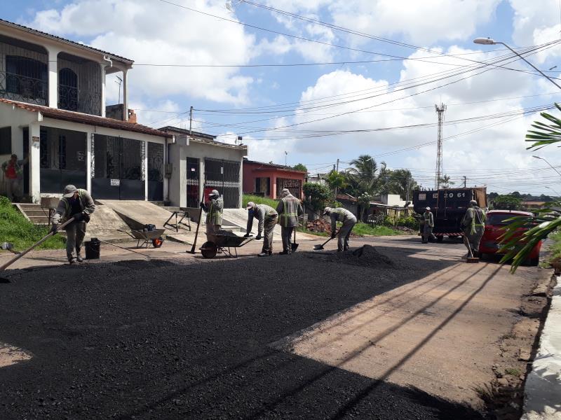 A ação de tapa buracos, promovida pela Sesan, já está em andamento na Sexta Rua de Icoaraci