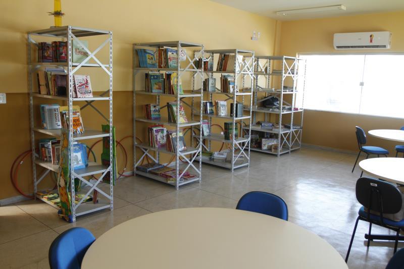 As novas escolas inauguradas em Belém já dispõem de bibliotecas