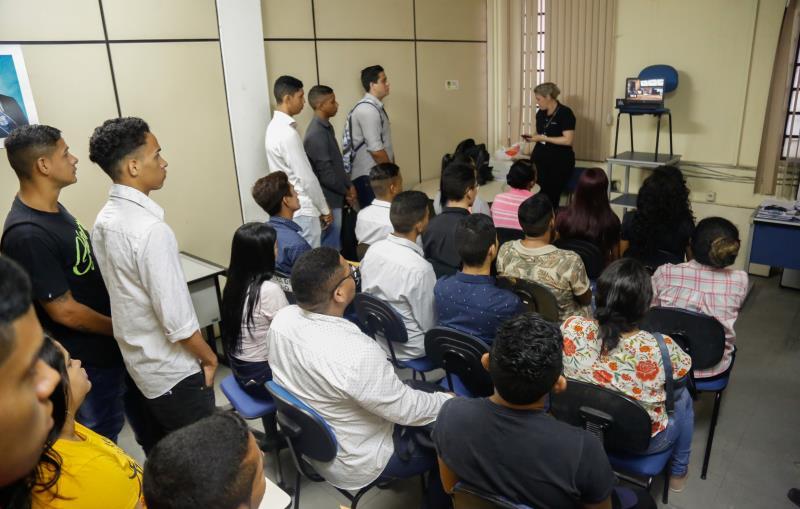 Um grupo formado por 200 jovens de Belém deve iniciar uma jornada que vai marcar a vida de cada um, ao disputar vagas no treinamento para trabalhar na rede Madero