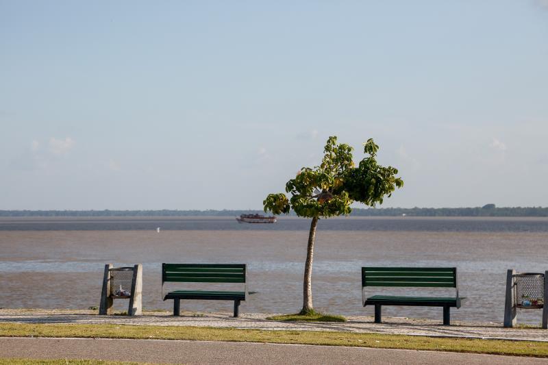 Devido às altas temperaturas, típicas da capital Belém, o Portal da Amazônia recebe mais visitantes, no início da manhã e no fim da tarde