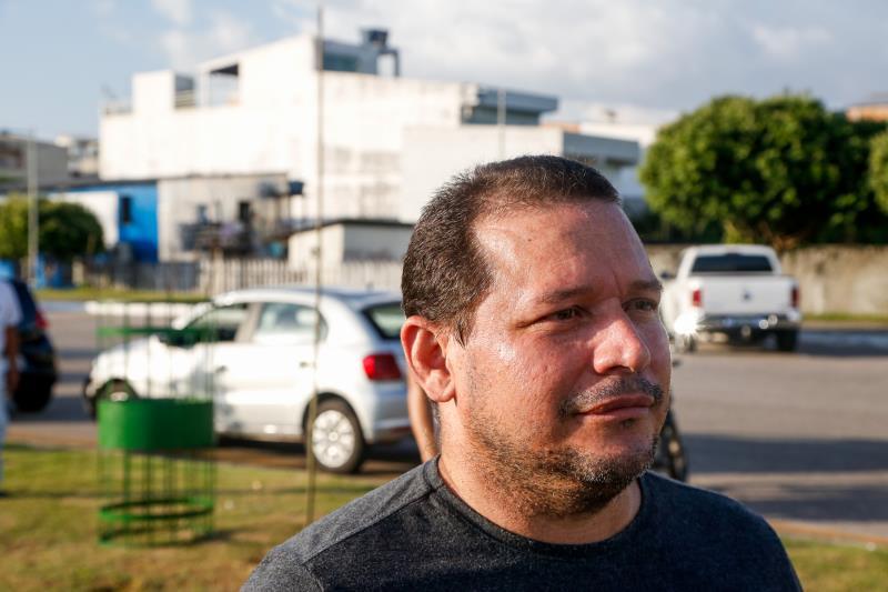 """""""É bom esse plantio, pois sempre tende a melhorar o ambiente urbano, ajuda a refrescar"""", salientou Paulo Ferreira, de 45 anos, funcionário público e morador da Cidade Velha"""