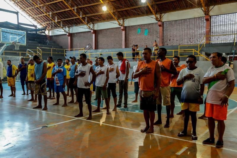 Um grupo de moradores em situação de rua, atendido pela Prefeitura Municipal de Belém, por meio da Funpapa, participa do 1° Torneio de Pessoas em Situação de Rua, aberto nesta terça-feira, 20