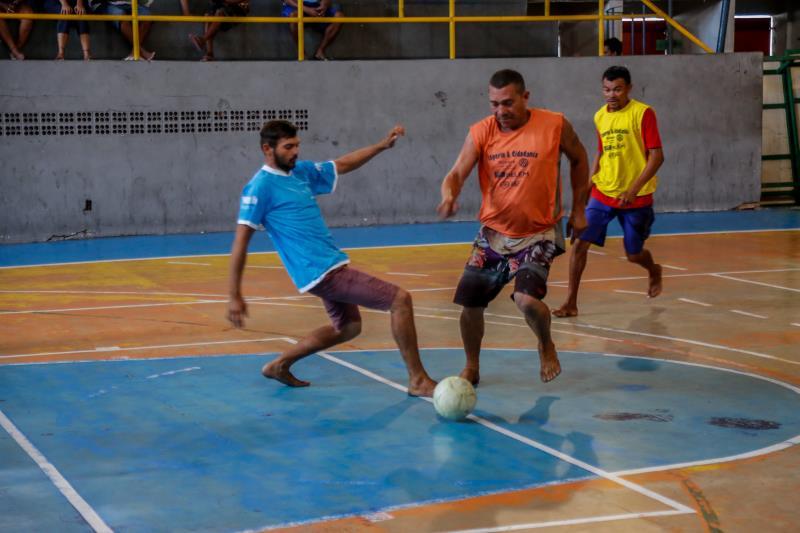 Os atendidos pelos Centros Pop de Belém e de Icoaraci estavam muito empenhados nas disputas de bola
