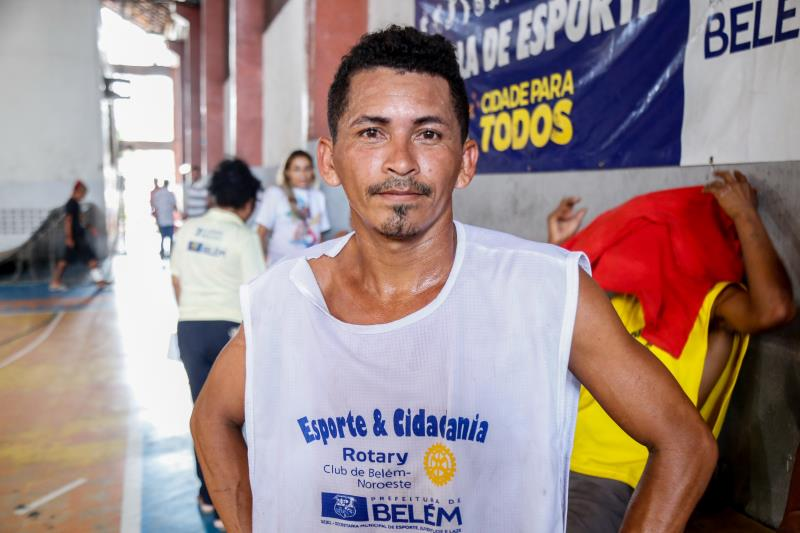 Cristiano dos Santos, de 23 anos, natural da cidade de Soure, foi destaque na primeira partida do campeonato, com quatro gols