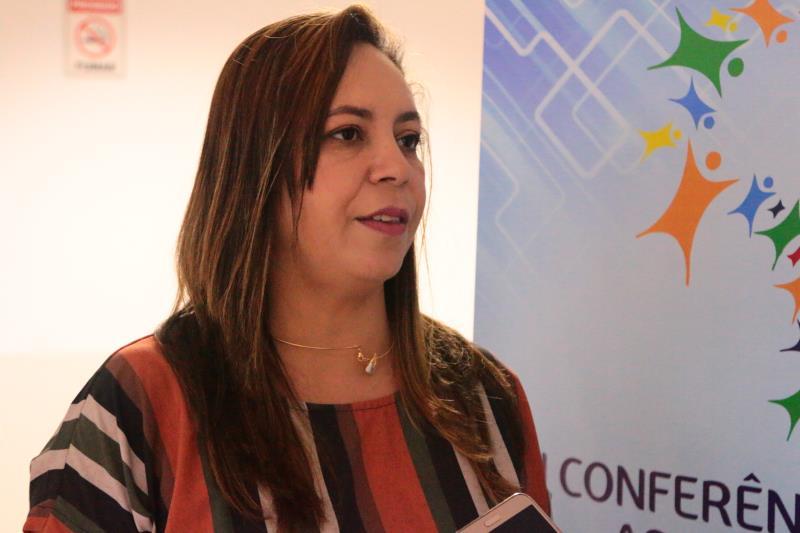 """Eduarda Louchart, diretora geral da Funpapa, explicou a dinâmica das conferências: """"O objetivo é avaliar, discutir e encaminhar propostas à política de assistência social, nesse caso no âmbito do município, mas teremos ainda as conferências estaduais e escolheremos delegados para participar"""""""