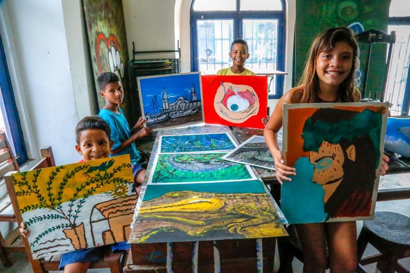 O projeto Ubá também promove oficinas de aquarelas e pinturas