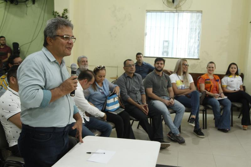 O primeiro dia do Prefeitura do Bairro é marcado por uma reunião entre o prefeito Zenaldo Coutinho, o secretariado municipal e líderes comunitários
