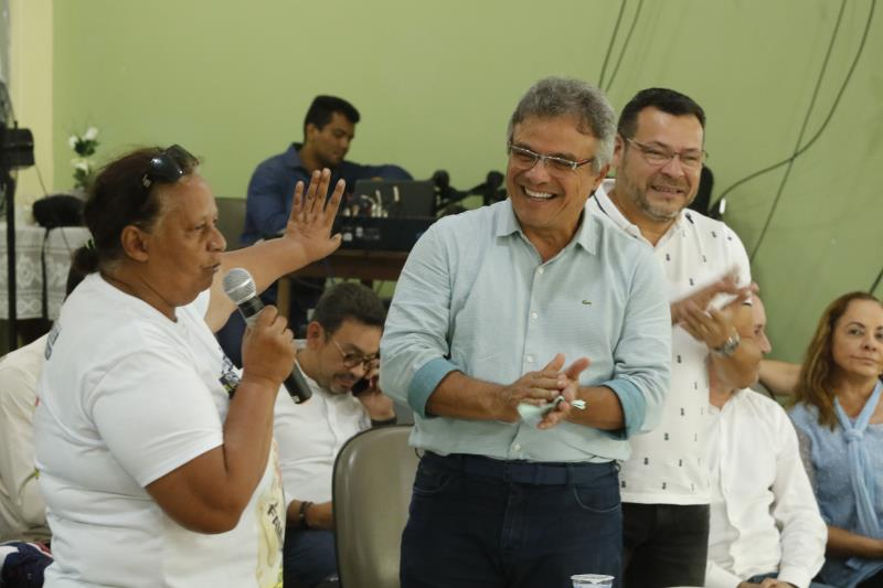 Os moradores participaram, com entusiasmo, da reunião com o prefeito Zenaldo Coutinho e o secretariado