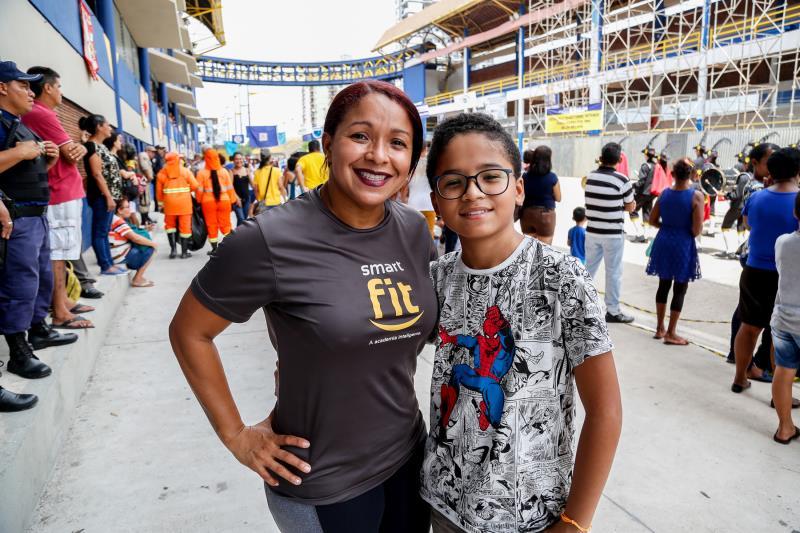Carina Freita e seu Filho Thiago Freita