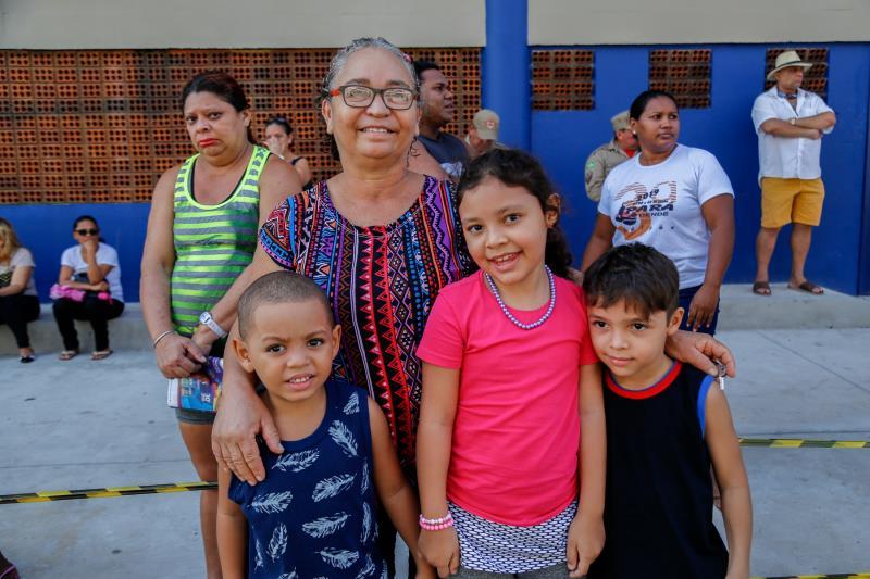 Cecilia Machado e Seus netos