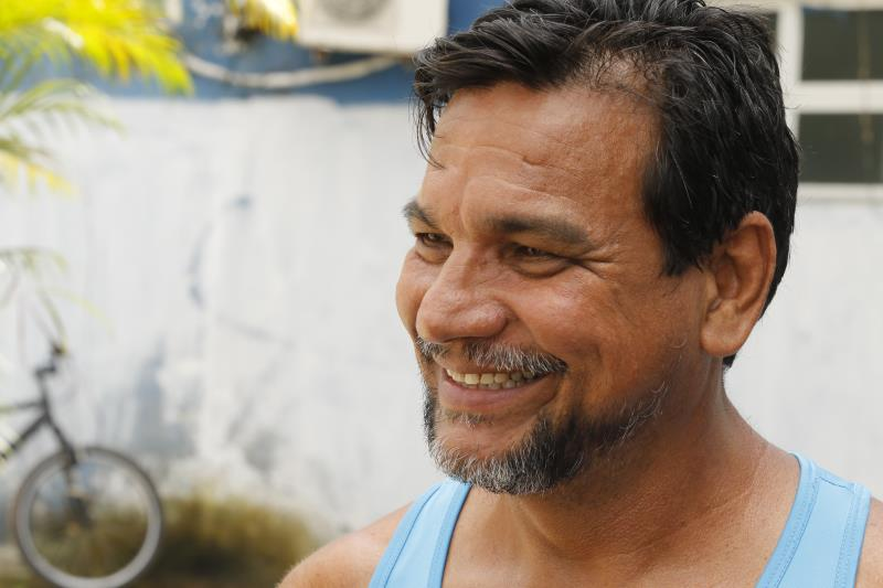Raimundo Araújo, de 59 anos, praticante de remo, cumpre rotina diária na área da marina pública, e diz que a revitalização do espaço foi uma promessa cumprida pela Prefeitura de Belém