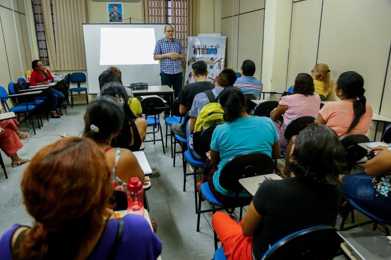 O Fundo Ver-o-Sol fica localizado na avenida Cipriano Santos, número 40, em São Brás, e funciona a partir das 8 horas