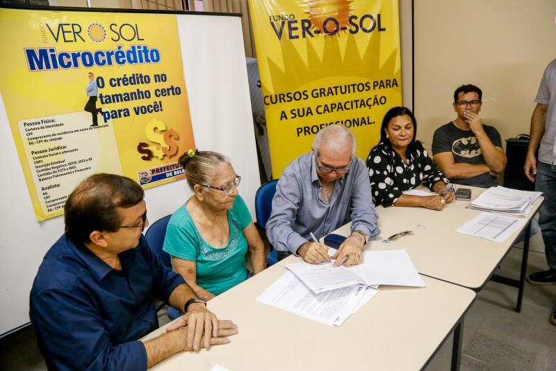 Um valor de R$ 2 mil foi liberado, como linha de crédito individual, pela Prefeitura de Belém, por meio da Secretaria de Economia (Secon) e Fundo Ver-o-Sol, para 24 feirantes do Complexo do Jurunas
