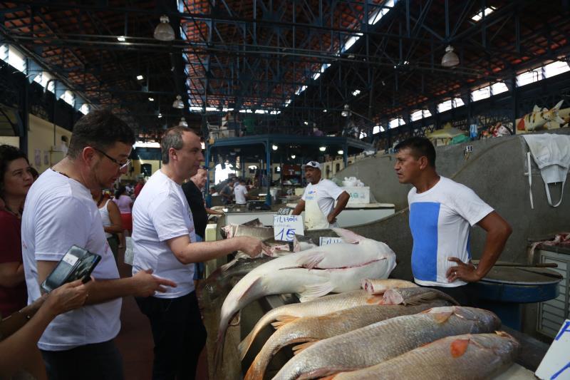 A visita começou pelo Mercado de Peixe, onde os chefs conheceram as diversas espécies de peixes da região