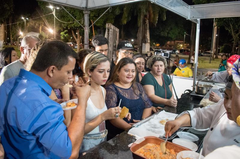 Além do show, o público aproveitou para conferir de perto a variedade dos pratos.