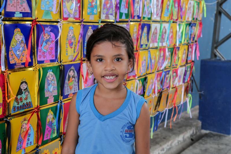 As crianças ficaram orgulhosas dos desenhos produzidos para o painel