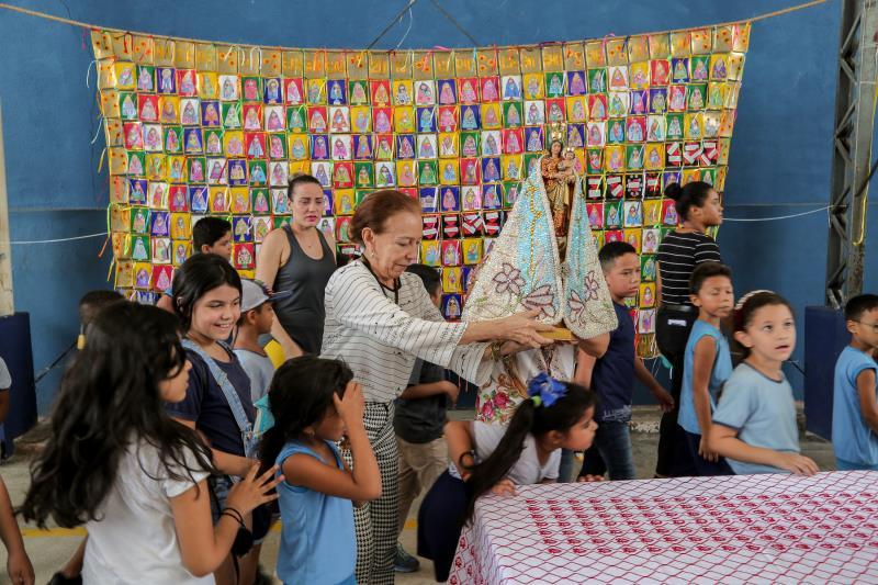 O painel do projeto Nazaré das Crianças é composto por desenhos de cerca de 300 crianças, alunos das escolas da rede municipal de ensino de Belém
