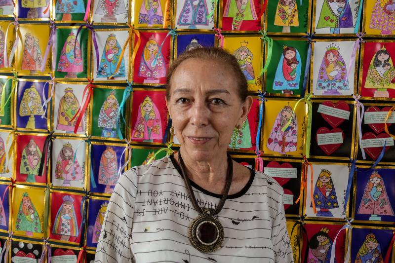 A professora de língua portuguesa, Eliane Marília Fernandes, idealizadora do projeto, apresentou o painel deste ano e contou um pouco sobre a iniciativa desenvolvida na biblioteca Professora Socorro Brasil, desde 2001