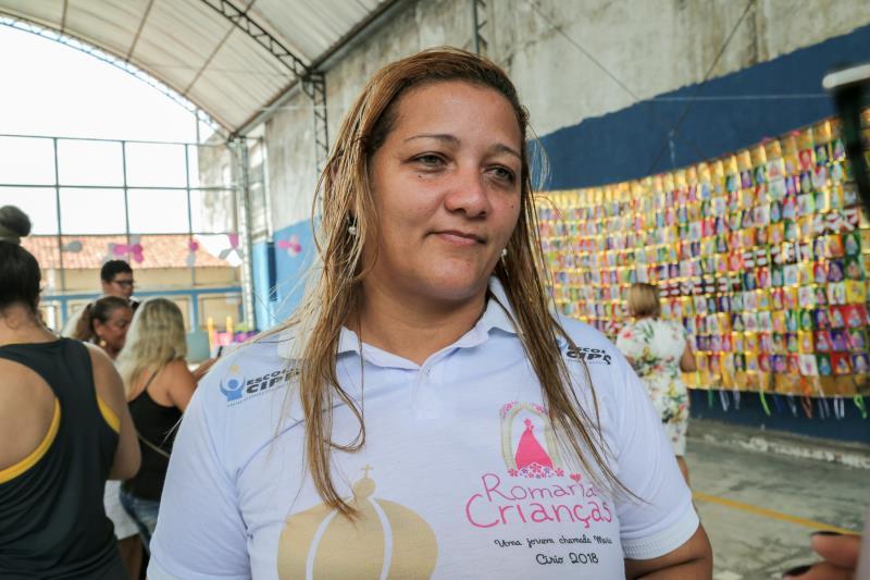 """""""É emocionante ver o rostinho das crianças encantadas com Nossa Senhora"""", destacou Silvânia Campos, da coordenação da Romaria das Crianças, que durante o ano visita as escolas de Belém"""