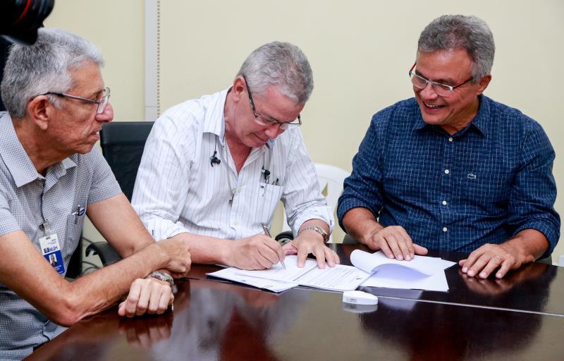 A ordem de serviço foi assinada no Gabinete municipal na tarde desta quarta-feira, 9, pelo prefeito de Belém, Zenaldo Coutinho