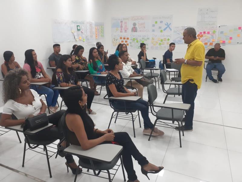 O projeto Belém Acolhe os Filhos de Maria tem mais de 100 voluntários que fazem parte do projeto criado pela Prefeitura de Belém, por meio do Portal do Trabalhador, em parceria com a rede de farmácias Drogasil