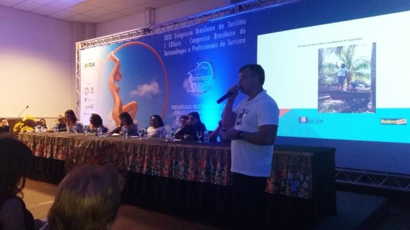 """O turismólogo da Belemtur João Huffner, responsável pela realização do projeto """"Turismo de Base Comunitária"""" em Cotijuba, foi palestrante no congresso"""