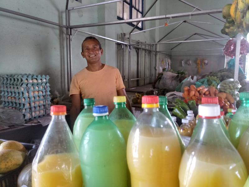 Nilson Borges participa uma cooperativa de agricultores familiares que cultiva na Região Metropolitana de Belém. Nas épocas festivas as vendas aumentam, conta.