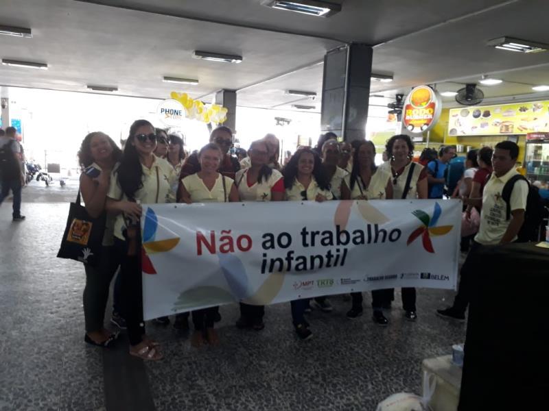 Na parte social, a Prefeitura vem fazendo ações de conscientização de enfrentamento ao trabalho infantil, por meio da Fundação Papa João XXIII (Funpapa)
